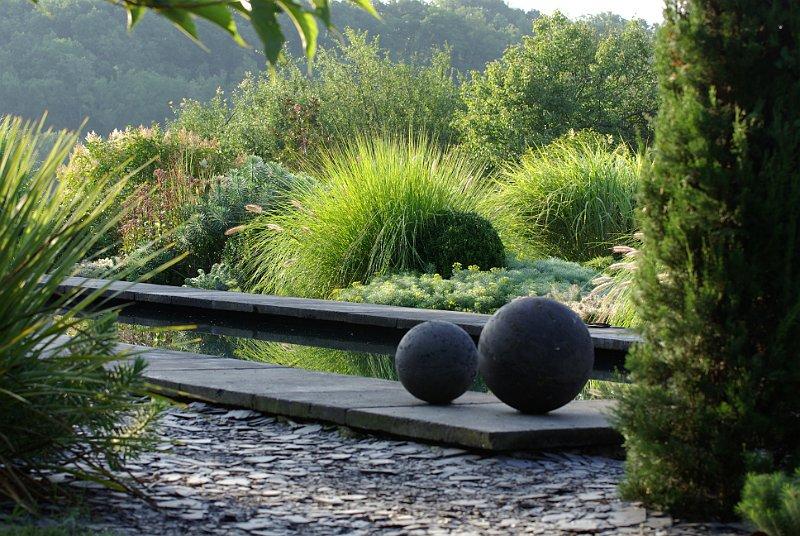 jardin contemporain avec bassin en ardoise 2